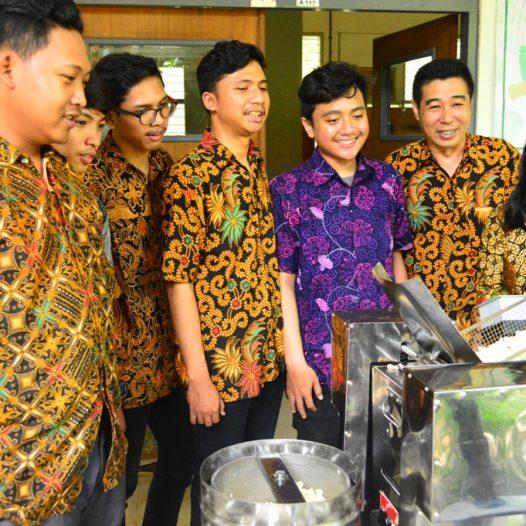 Inovasi Mesin Penggoreng Krupuk Otomatis