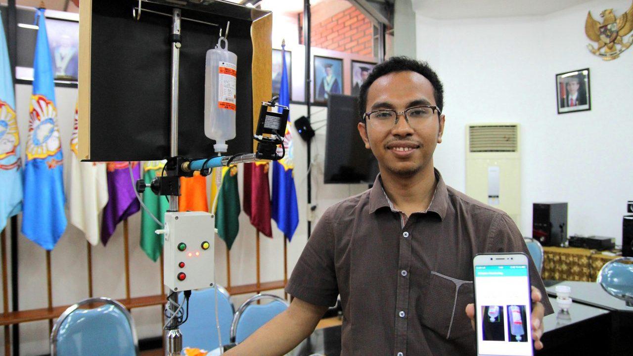 Jose Maria dengan rangkaian karyanya yakni pantau cairan infus lewat ponsel