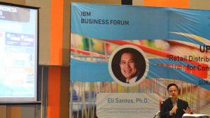 Wahyudi Wibowo saat menyampaikan materi dalam IBM Business Forum