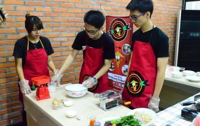 Spageti, Milkshake dan Cafe Latte dari Singkong