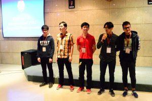 Lima orang delegasi NTUST Taiwan memperkenalkan diri kepada teman-teman baru di UKWMS