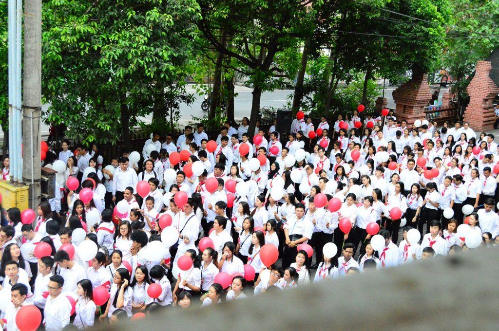 Lautan Merah Putih Mahasiswa di Kampus Dinoyo UKWMS dalam Rangka Apel Kebangsaan