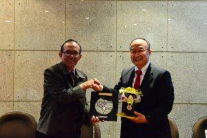 William Jay Shim, PH.D. dan Y.G. Harto Pramono, Ph.D. usai penandatanganan MoU.