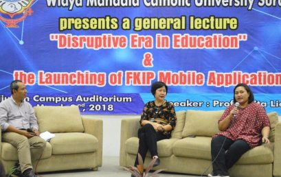 Era Disrupsi dalam Dunia Edukasi & Launching FKIP UKWMS Mobile Apps