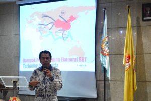 Adi Harsono menjelaskan bagaimana perkembangan ekonomi China(1)