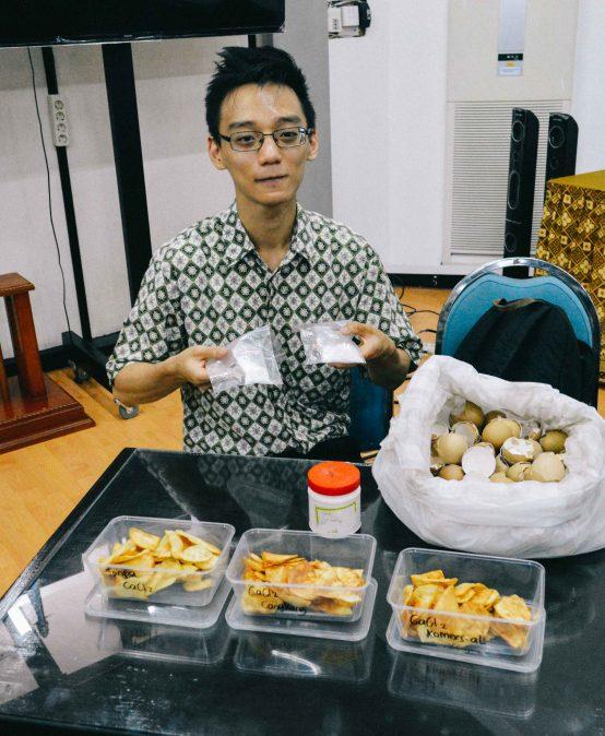 Manfaatkan Limbah Cangkang Telur untuk Perenyah Keripik