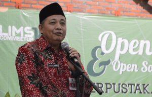 Dr. Ir. Abdul Hamid, MP selaku Kepala Dinas Perpustakaan dan Kearsipan Jawa Timur menyampaikan sambutan dalam SLiMS Commeetup 2018 (2)